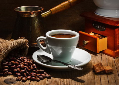 Черный кофе из турки