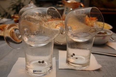 Коктейль самбука с анисовыми зернами