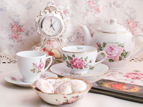 Чай на столе